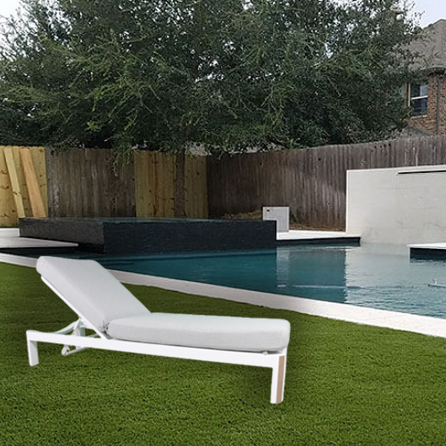 Deco Outdoor Chaise Lounger