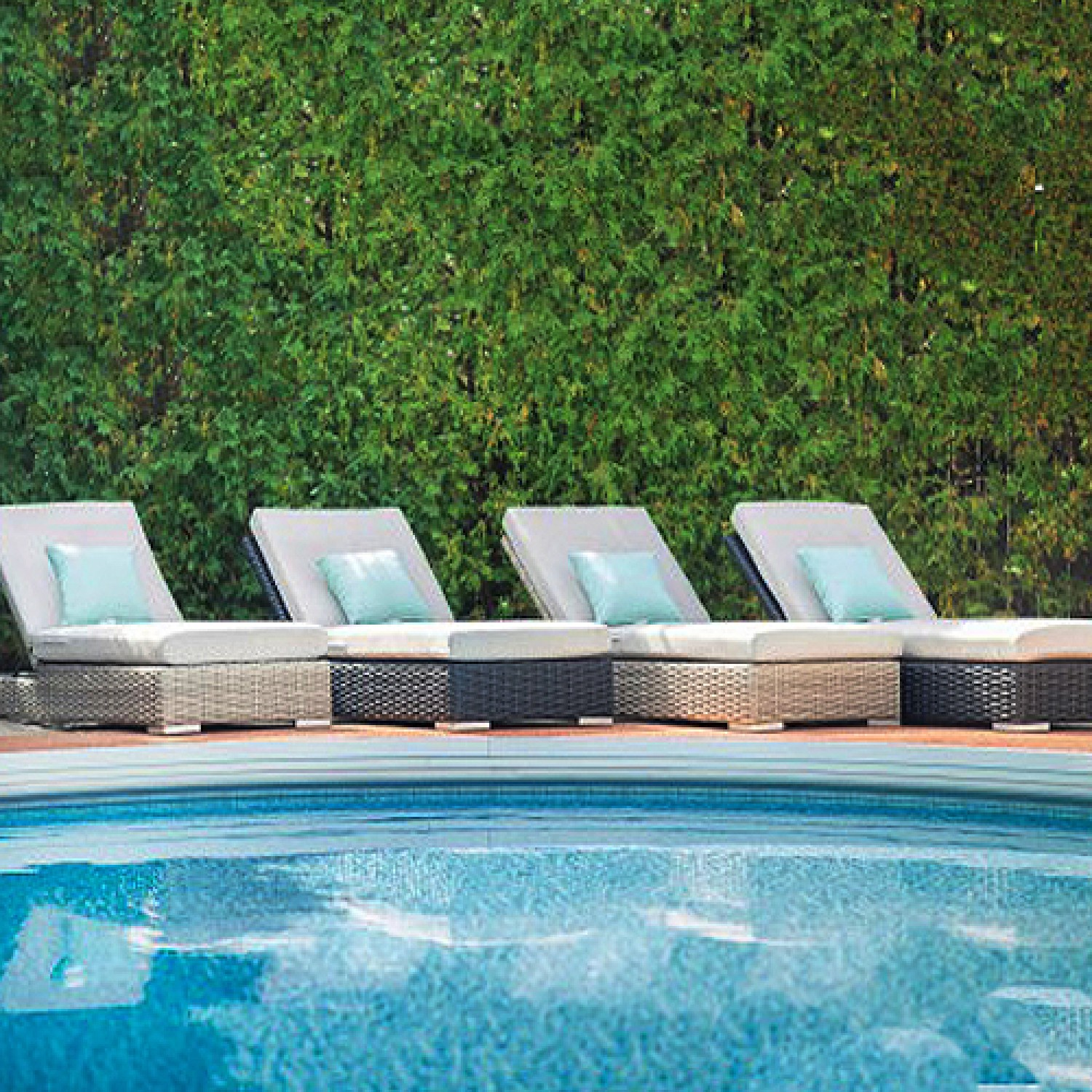 Trillium Outdoor Chaise Lounger