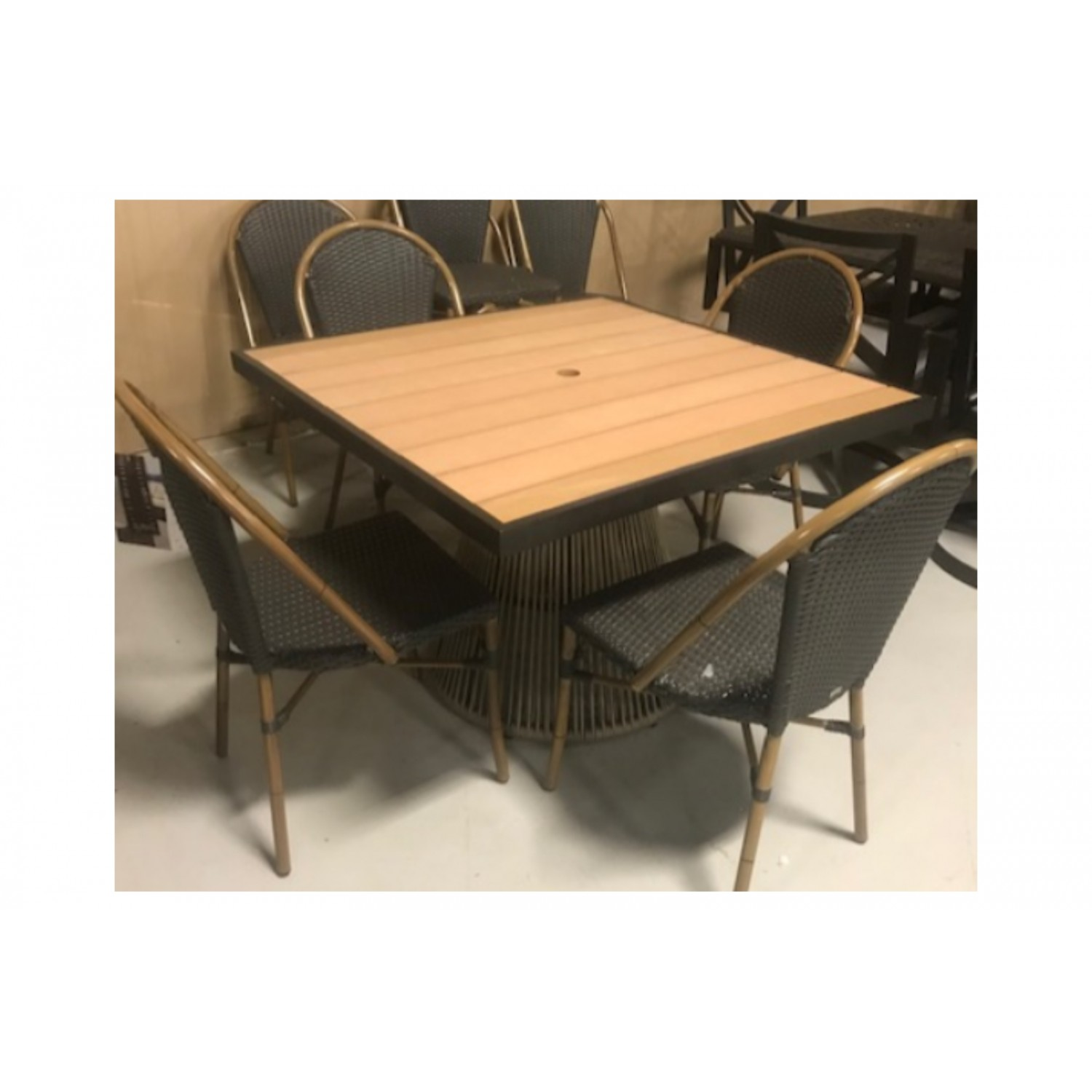 Cove Outdoor Dining  Set