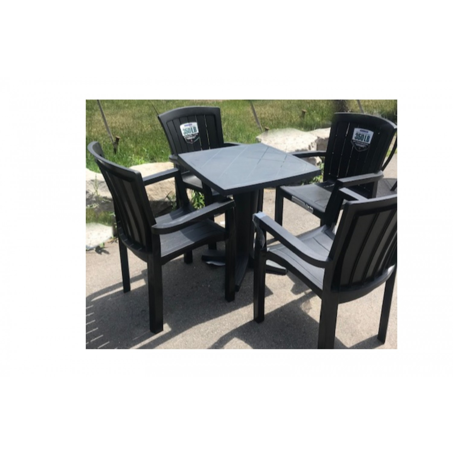 Gracious Outdoor Dining Set Square