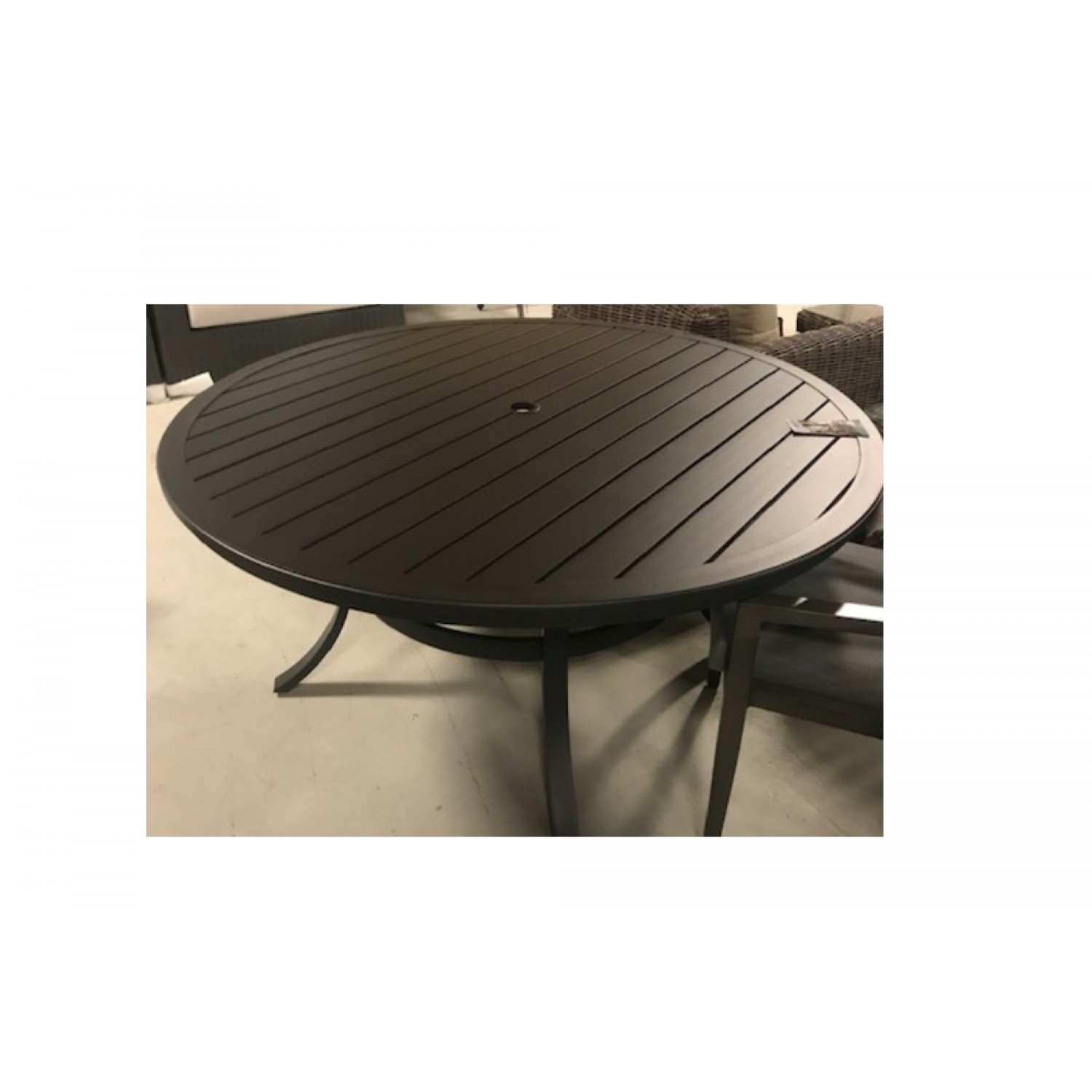 Onsight Round Outdoor Dining Table