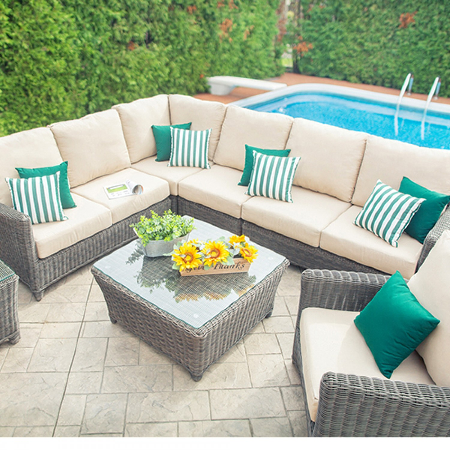 Phal Outdoor Sectional